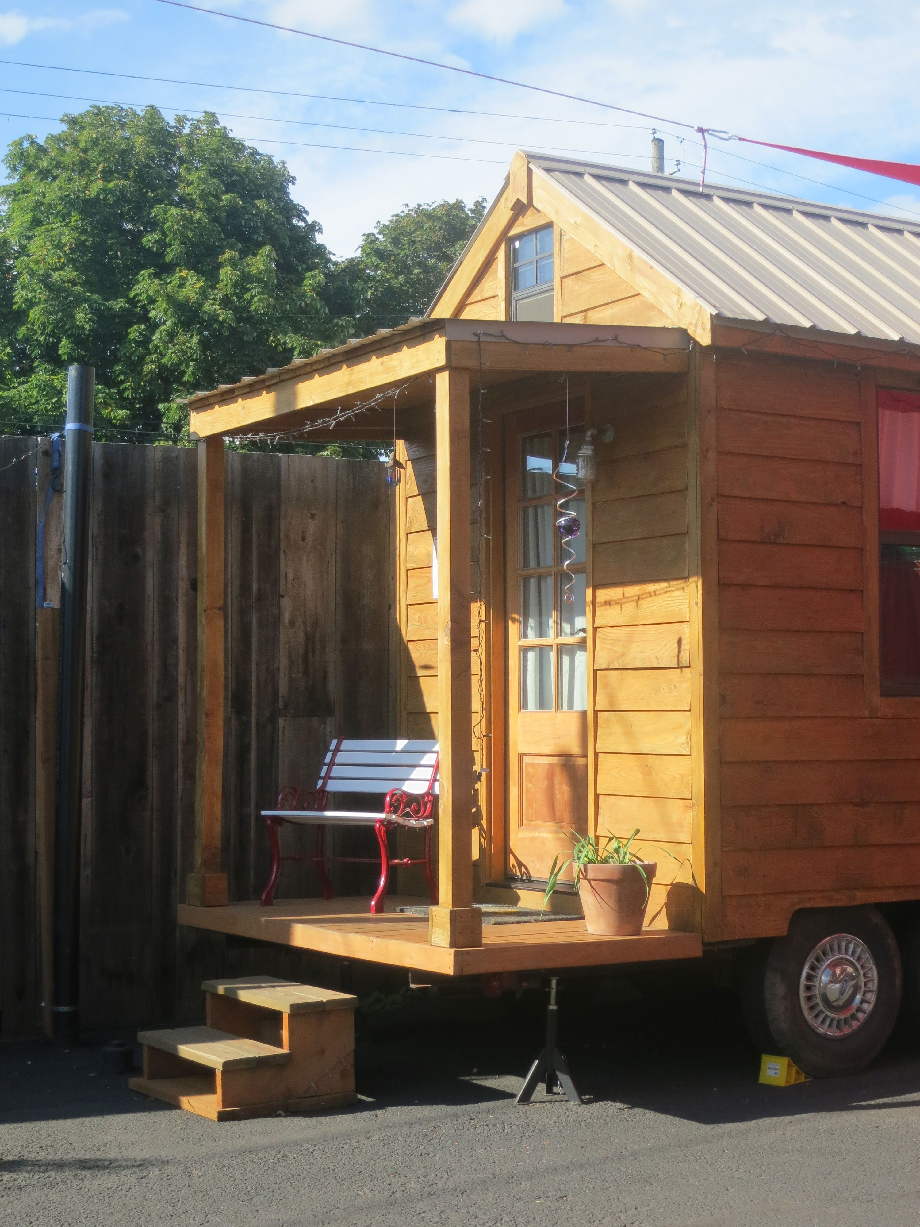 Another house at the Caravan Tiny House Hotel